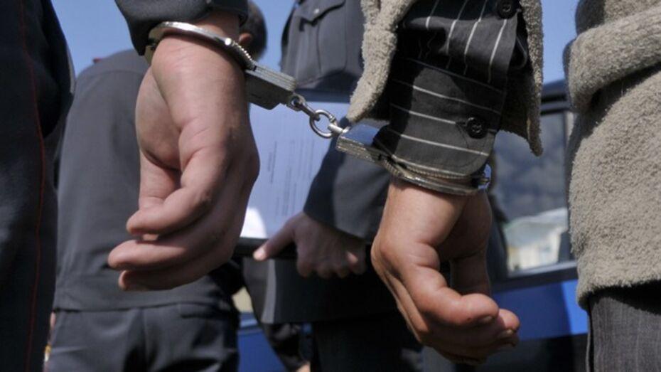 Россошанский подросток сбежал из суда и спрятался от правосудия в подвале своего дома