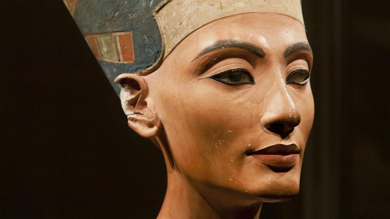 «Описывать бесцельно, смотреть!» Зачем идти на выставку «Образ Нефертити» в Воронеже