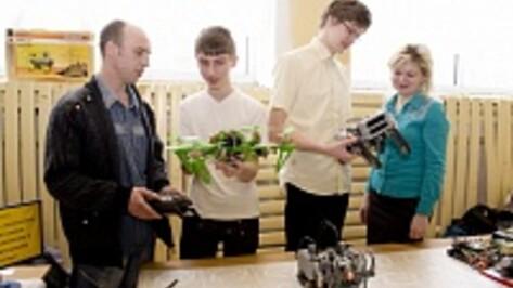 На воронежском фестивале робототехники «Робофест-2014» лискинцы взяли сразу несколько призовых мест