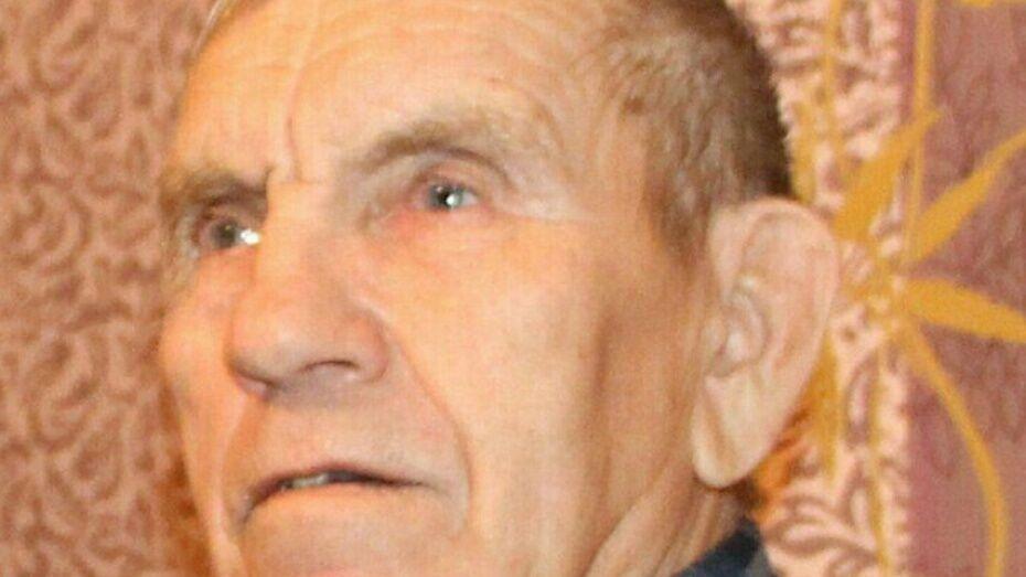 Волонтеры попросили помощи воронежцев в поисках пенсионера с татуировкой