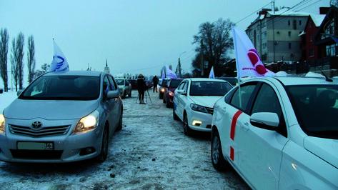 В Новоусманском районе прошел благотворительный автопробег «Театр детям»