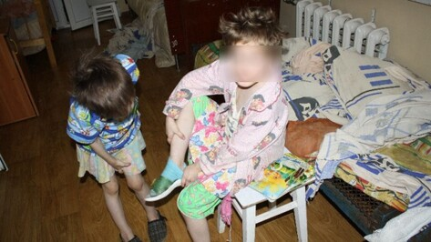 Жительница Каменского района привязывала дочерей к кроватям, кормила сырой гречкой, а алабая поила молоком
