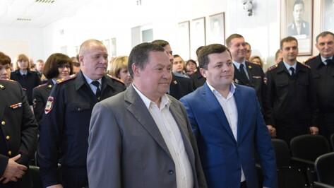 В Воронеже водителя почтамта наградили за предотвращение ограбления