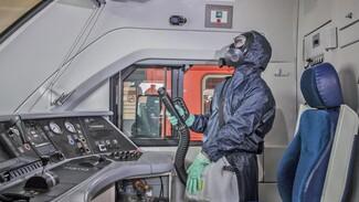Сотрудники ЮВЖД показали, как проходит дезинфекция пригородных поездов в Воронеже