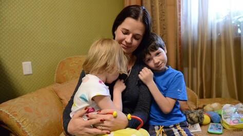 «Врачу надо было отчитаться». Почему воронежцы отказываются от вакцинации детей
