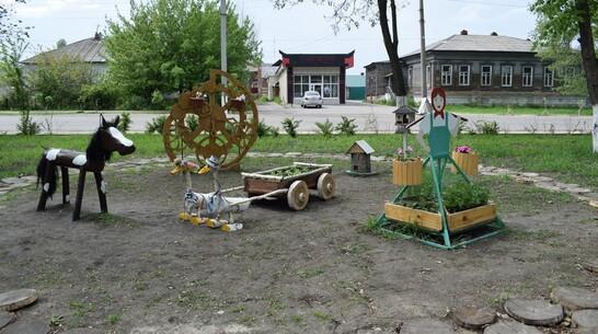 В борисоглебском сквере Корнаковского появились новые арт-объекты и образовательная зона