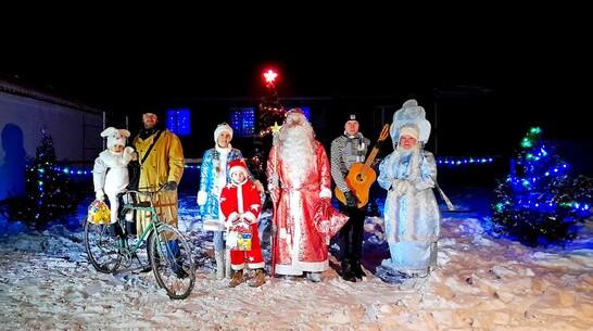 Новогодний поздравительный ролик сняла семья из Терновского района