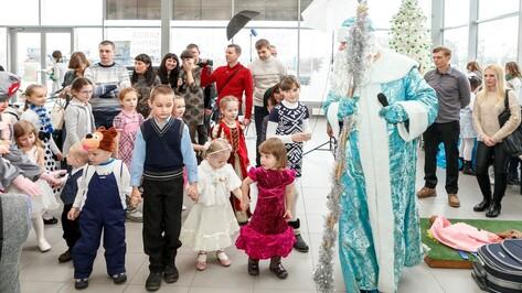 Официальный дилер SKODA Ринг Север устроил воронежским детям тропический Новый год