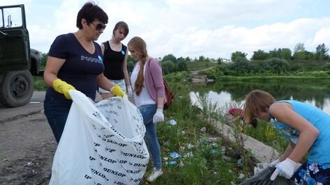 На берегу Дона в Семилуках собрали «КамАЗ» мусора
