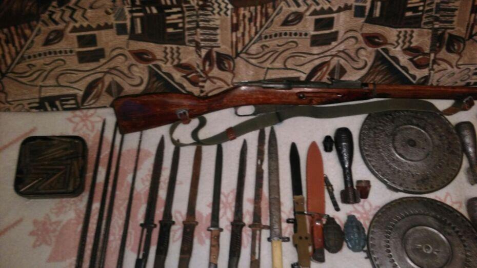 Воронежец попался на незаконном хранении оружия и взрывчатки