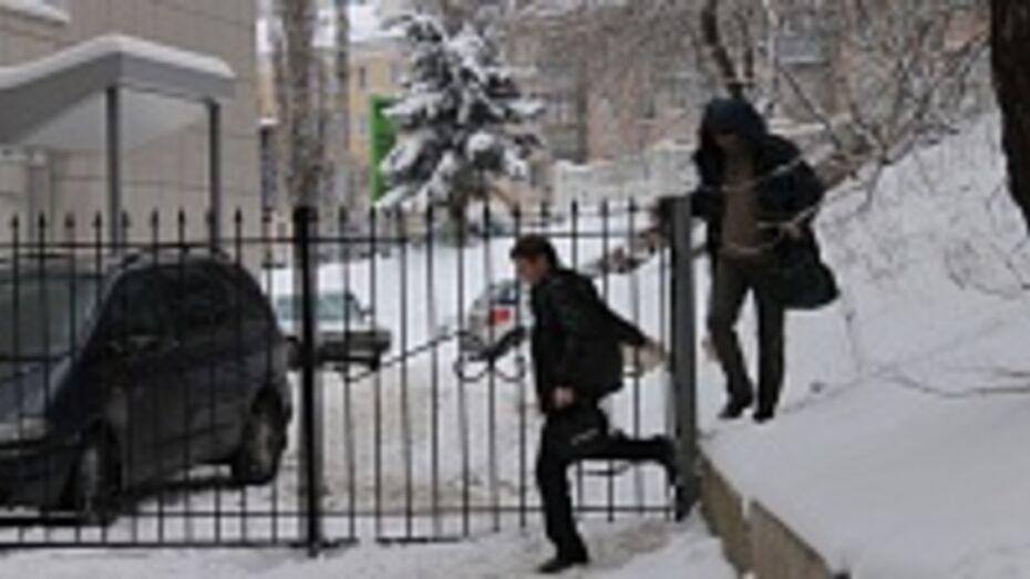 Мэрия Воронежа проводит проверку законности установки забора на улице Арсенальной