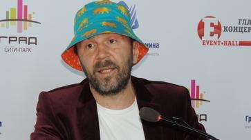 Сергей Шнуров: «Сейчас у меня такая фаза, когда юношеский максимализм постепенно переходит в старческий маразм»