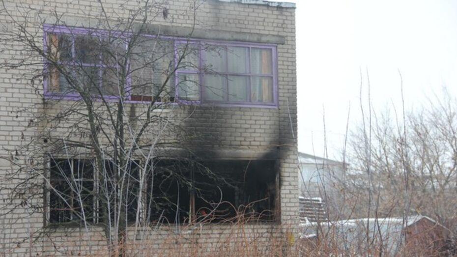 В Каширском районе из-за незатушенной сигареты едва не сгорел двухэтажный дом