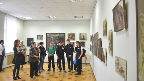 В Острогожске открылась выставка работ воронежских художников Богачевых