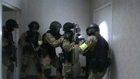 Оперативники ФСБ провели учения в воронежском диагностическом центре