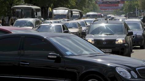 Пробки в Воронеже перед длинными выходными оценили в 9 баллов
