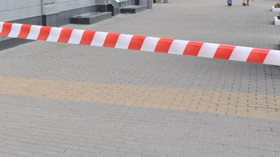 Воронежский ГАСУ оцепили из-за припаркованного фургона