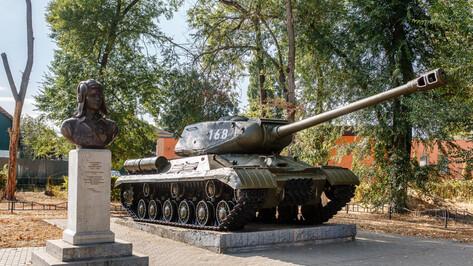 С любовью к истории. В Воронеже отреставрировали дошедший до Берлина танк ИС-2