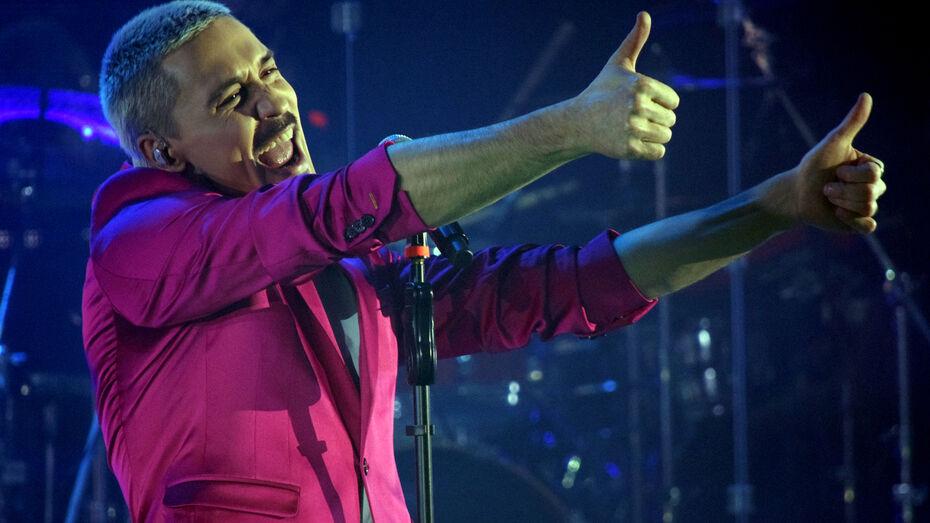 Дима Билан привился от коронавируса перед концертом в Воронеже