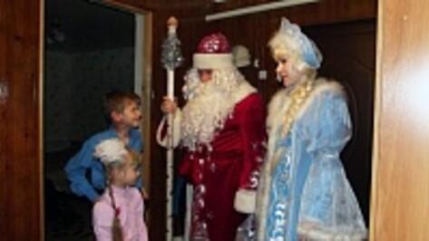 Верхнемамонцы провели акцию «Стань Дедом Морозом» для детей из малообеспеченных семей