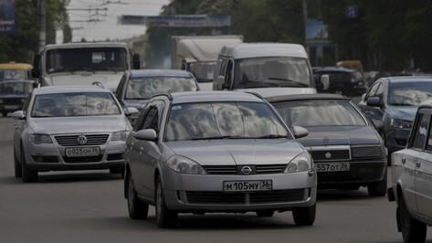 Отключение светофоров в центре Воронежа спровоцировало пробки