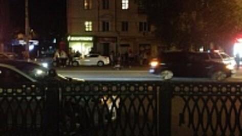 В Воронеже на улице Плехановской под колесами Volvo погиб мужчина