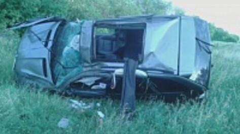 В Воронежской области опрокинулся BMW X5: один погибший, четверо раненых