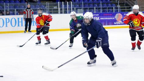 В Нововоронеже подвели итоги полугодового хоккейного турнира