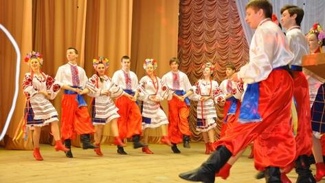 Эртильские танцоры поедут на международный фестиваль в Сочи