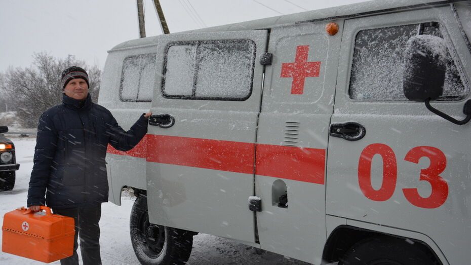 Кантемировские аграрии подарили 2 «скорые» сельским амбулаториям
