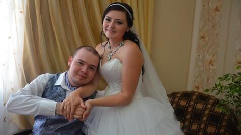 Звездная воронежская пара Артем Коровин и Анна Крюкова сыграли свадьбу
