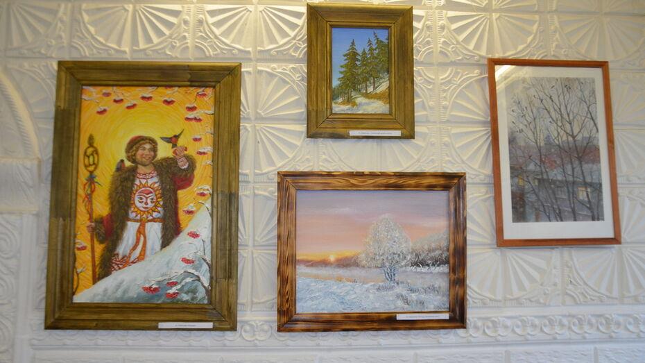 Межрайонная выставка «Зимняя палитра» открылась в Павловском краеведческом музее