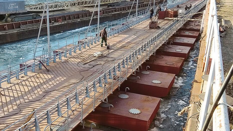 В Павловске построили 110-метровый наплавной мост