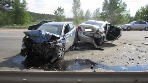 В Советском районе Воронежа разбились Kia и Hyundai: четыре человека пострадали