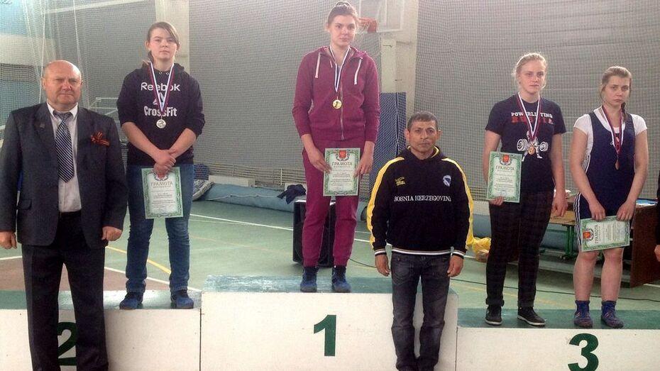 Спортсменка из Анны завоевала «золото» на турнире по вольной борьбе