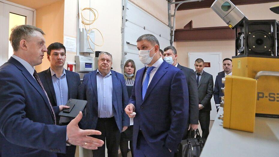 Зампред облправительства посетил Воронежский опорный университет