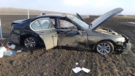 Смертельное ДТП с перевернувшимся BMW в Воронежской области попало на видео