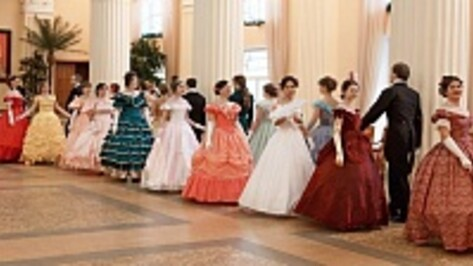 Воронежцы станцуют на балу в Театре оперы и балета