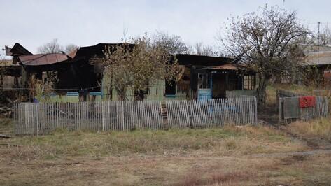 Пожар в доме многодетной семьи в Воронежской области. Как разошлись две версии ЧП