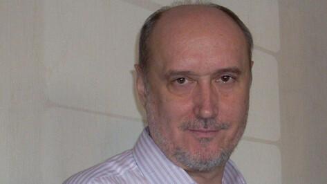 Облздрав опроверг заявления о запоздалой помощи умершему от COVID-19 воронежскому писателю