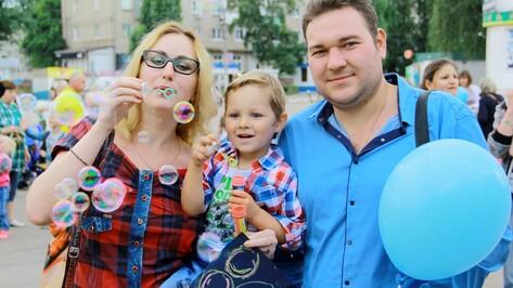 В Семилуках прошел фестиваль мыльных пузырей