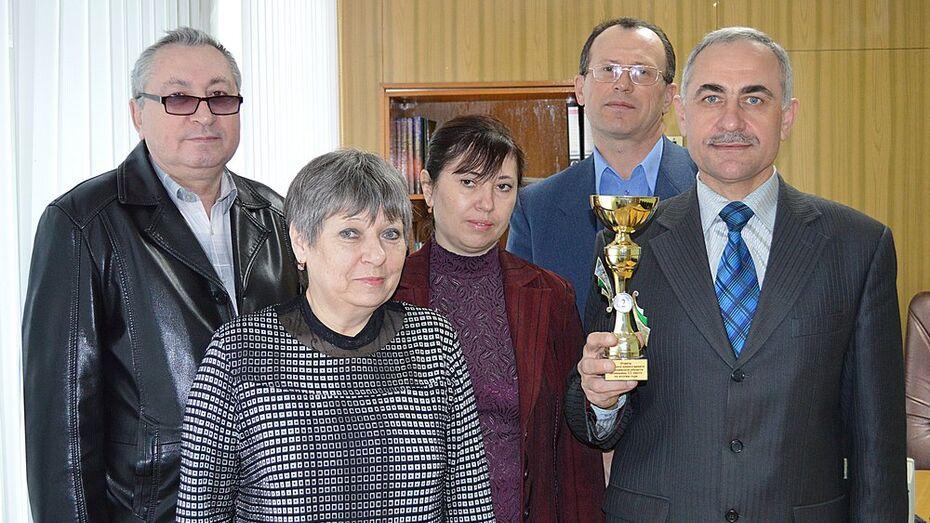Эртильский отдел военного комиссариата заслужил переходящий кубок областного военкомата