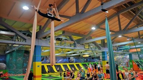 Воронежцев позвали на фестиваль воздушной гимнастики