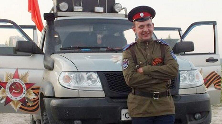 Житель Семилукского района бесплатно вытаскивает из сугробов улетевшие в кювет автомобили