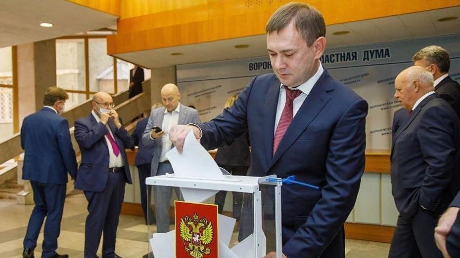 Владимир Нетесов остался председателем Воронежской облдумы