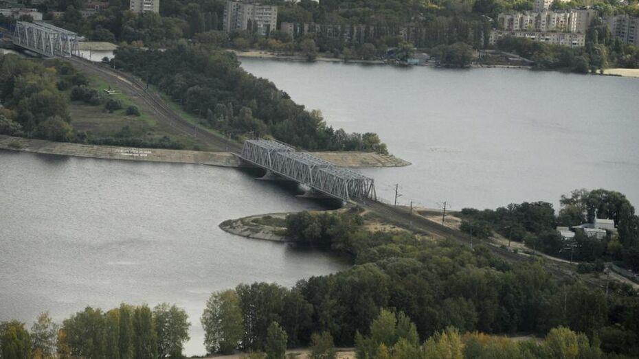 Из Воронежского водохранилища достали тело рыбака
