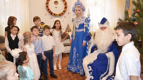 Лискинские журналисты провели акцию «Волшебство под Рождество»