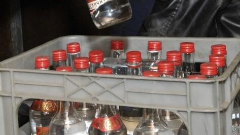 В Воронеже у бутлегеров нашли 2,5 тыс бутылок поддельного алкоголя
