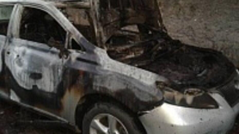 В Воронеже на Левом берегу сгорел Lexus