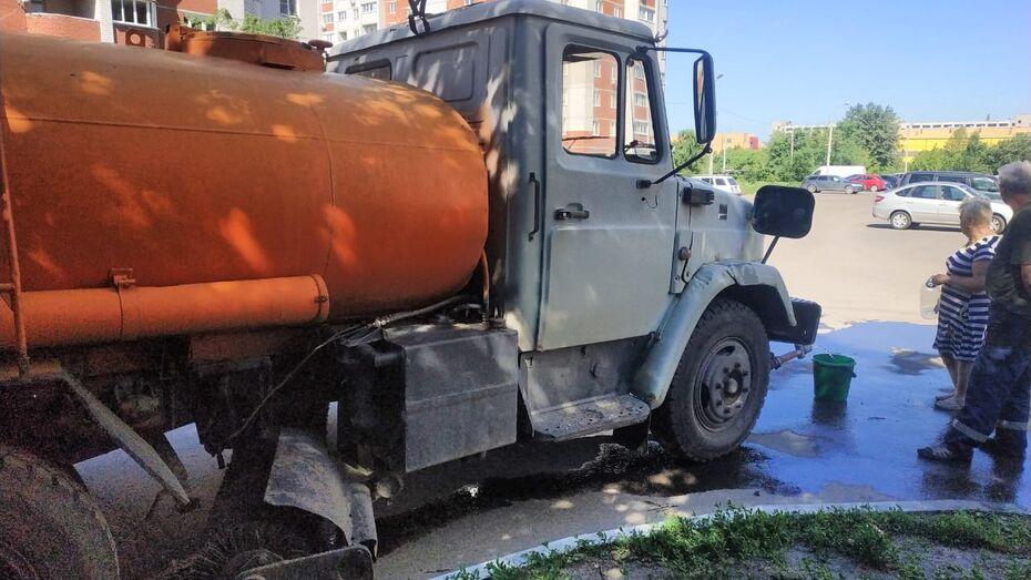 Стали известны адреса подвоза воды на левом берегу Воронежа